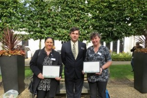 580_Image_Britain_in_Bloom_judge_Robin_Russell_with_Angela_Mole_and_Rachel_Jennings_from_Lyng_Community_Association