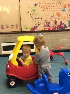 toddlers play_n