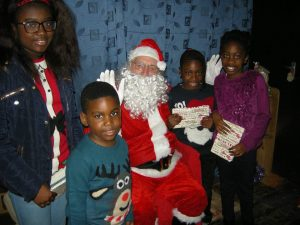 santa-and-more-kids-2016